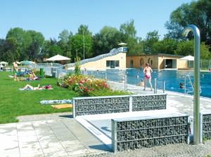 Schönes Freibad in Burgau